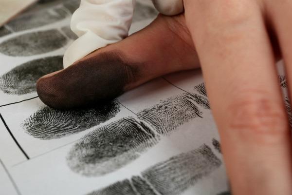 Снять отпечатки пальцев в Харькове