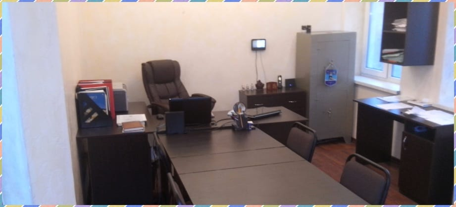 Один из рабочий кабинетов  офиса DASC в Симфеполе вид 1