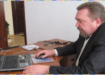 Штатный эксперт-полиграфолог DASC на рабочем месте в Симферополе