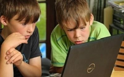 Программа родительского контроля шпионит за детьми